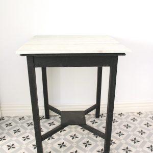 anne's past & present marmoripöytä